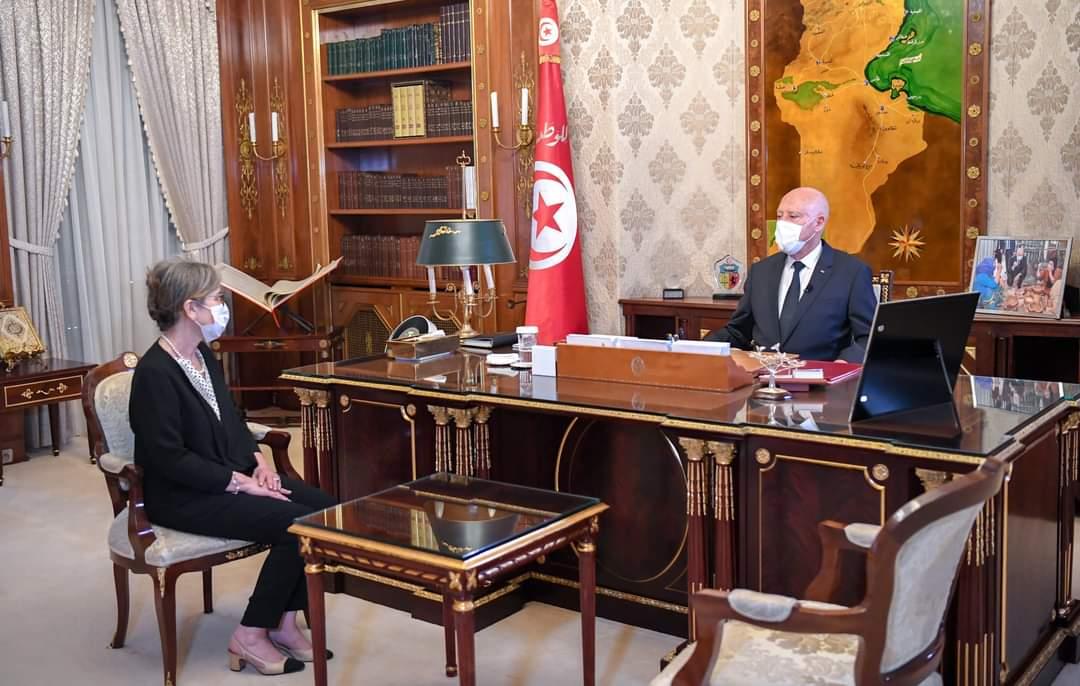 رئيس الجمهورية يستقبل رئيسة الحكومة