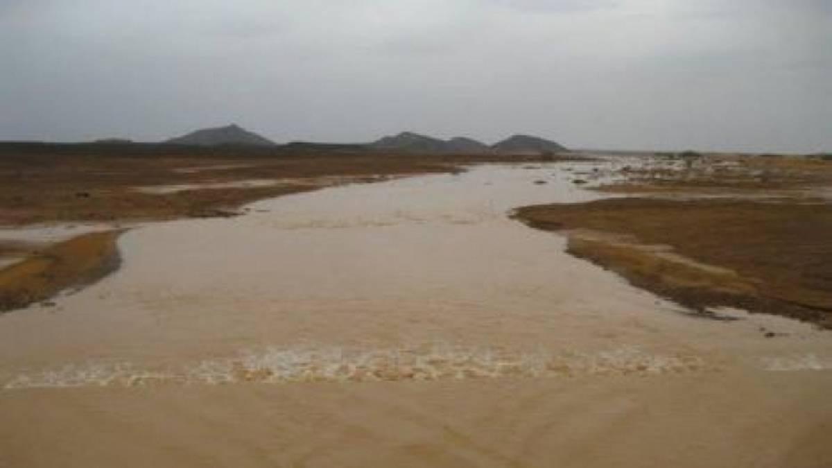 سيول الأمطار تودي بحياة شخصين بالقصرين وتوقف حركة الميترو بالعاصمة