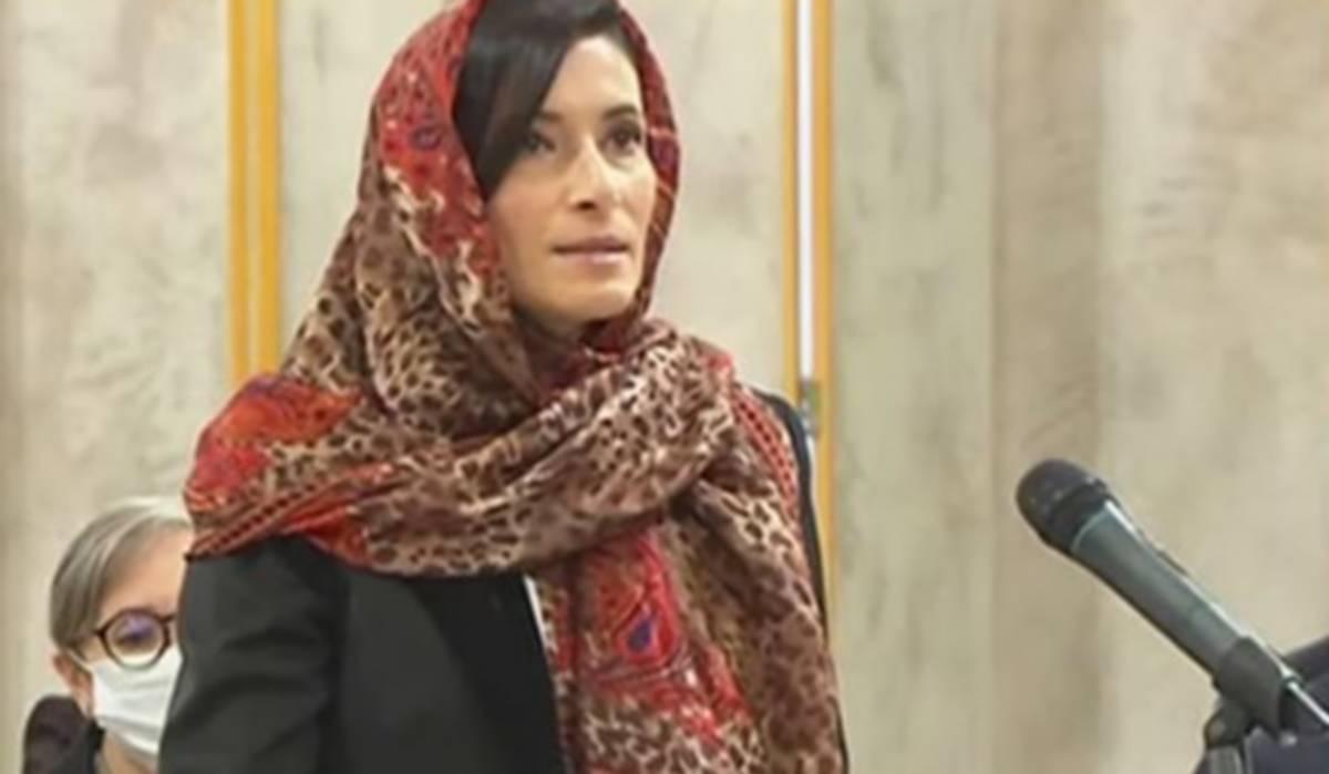 من هي كاتبة الدولة عايدة حمدي